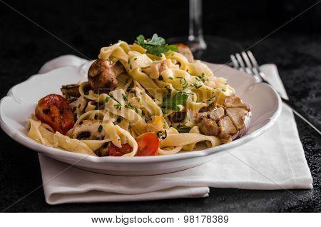 Pasta With Roasted Garlic And Mushrooms