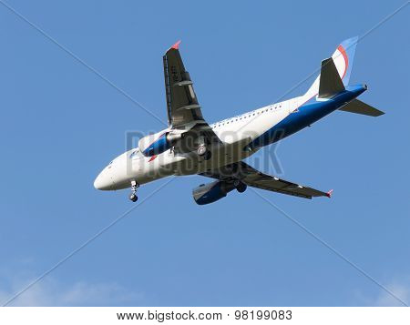 Large Airbas A319 Ural Airlines