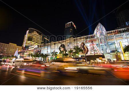 BANGKOK - 22 Dezember: Nachtbeleuchtung von Bangkok, der Hauptstadt des Königreichs Thailand auf der