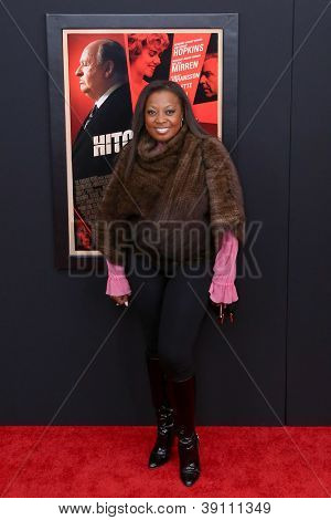 NEW YORK-NOV 18: Star Jones attends the premiere of