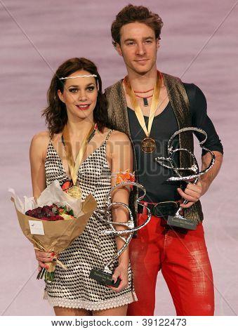 Nathalie Pechalat / Fabian Bourzat Win Gold