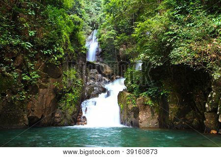 Waterfall In National Park , Chanthaburi ,thailand