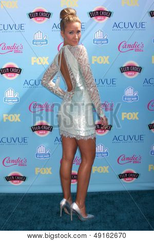 LOS ANGELES - AUG 11:  Anna Camp at the 2013 Teen Choice Awards at the Gibson Ampitheater Universal on August 11, 2013 in Los Angeles, CA