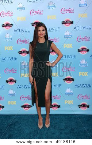 LOS ANGELES - AUG 11:  Selena Gomez at the 2013 Teen Choice Awards at the Gibson Ampitheater Universal on August 11, 2013 in Los Angeles, CA