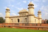 picture of mughal  - Itmad - JPG
