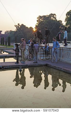 People Take Pictures At Taj Mahal In India