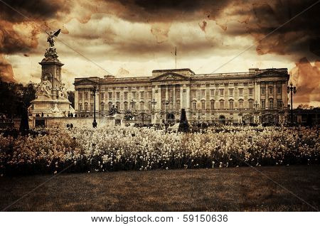 Vintage Retro Picture of Buckingham Palace in London