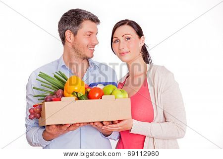 younger adults buying healthy food