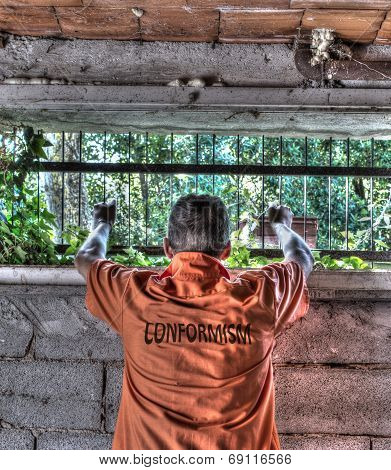 Conformism Prisoner