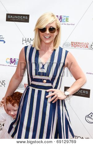 BRIDGEHAMPTON, NY-JUL 19: Actress Jane Krakowski attends the 6th Annual Family Fair at the Children's Museum of the East End (CMEE) on July 19, 2014 in Bridgehampton, New York.