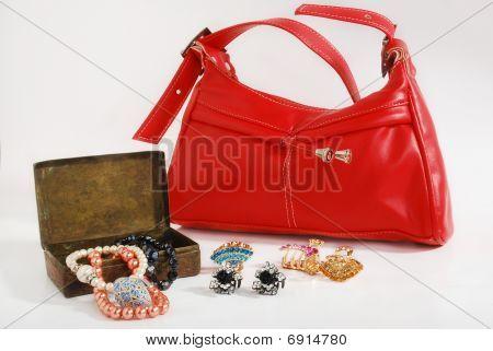 Handbag & jewellery