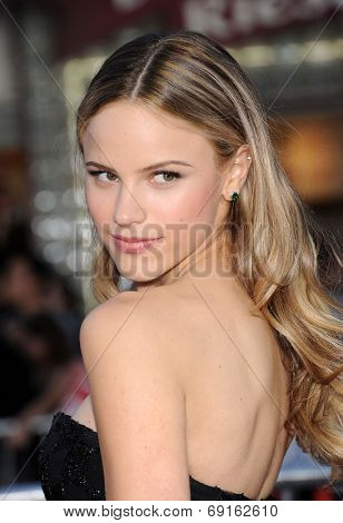 LOS ANGELES - APR 13:  Halston Sage arrives to the