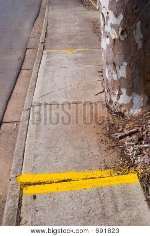 Dangerous Footpath