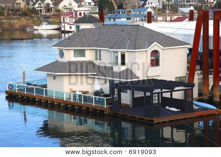 A floating mansion house.