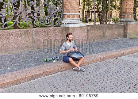 Hang Player In Saint Petersburg, Russia