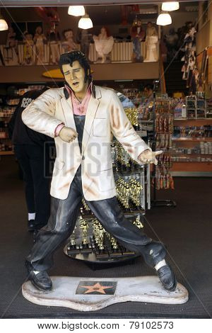 Replica Of Elvis Presley Singing In A Souvenir Store On Hollywood Boulevard