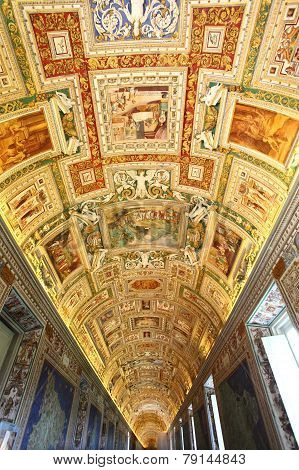 Beautiful ceiling fescos of Vatican Museum