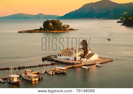 Mouse Island And The Vlacherna Monastery On The Kanoni Peninsula Of Corfu. Mäuseinsel