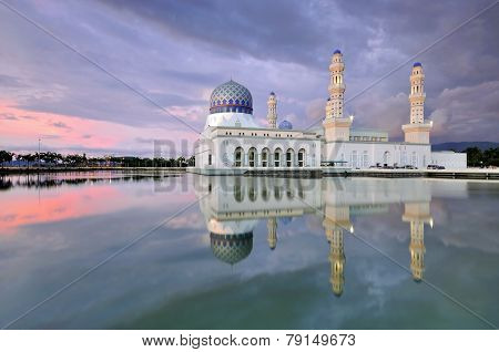 Sunset at the Floating Mosque in Kota Kinabalu
