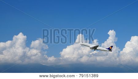 GENEVA - SEP 16: Lufthansa jet aircraft take-off on September 16, 2014 in Geneva, Switzerland. Lufthansa is the flag carrier of Germany and also the largest airline in Europe