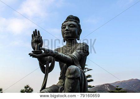 Tian Tan Buddha worship