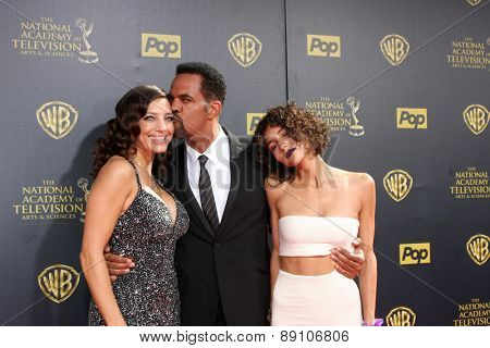LOS ANGELES - APR 26:  Dana Derrick, Kristoff St John, Paris St John at the 2015 Daytime Emmy Awards at the Warner Brothers Studio Lot on April 26, 2015 in Burbank, CA