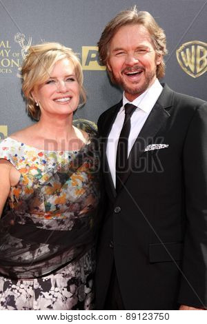 LOS ANGELES - APR 26:  Mary Beth Evans, Stephan Nichols at the 2015 Daytime Emmy Awards at the Warner Brothers Studio Lot on April 26, 2015 in Burbank, CA