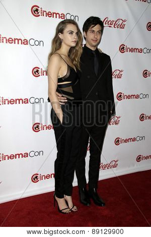 LAS VEGAS - APR 23:  Cara Delevingne, Nat Wolff at the CinemaCon Big Screen Achievement Awards at the Caesars Palace on April 23, 2015 in Las Vegas, NV