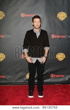 LAS VEGAS - APR 21:  Kevin Connolly at the Warner Brothers 2015 Presentation at Cinemacon at the Caesars Palace on April 21, 2015 in Las Vegas, CA