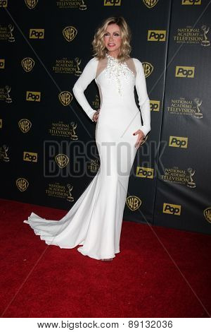 LOS ANGELES - APR 26:  Donna Mills at the 2015 Daytime Emmy Awards at the Warner Brothers Studio Lot on April 26, 2015 in Los Angeles, CA