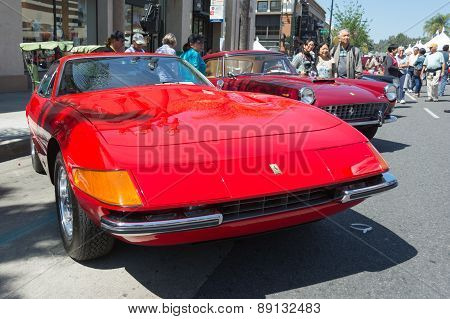 Ferrari 365 Gtb4 Car On Display