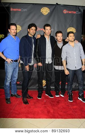 LAS VEGAS - APR 21:  Kevin Dillon, Adrian Grenier, Doug Ellin, Kevin Connolly, Jerry Ferraraa at the Warner Brothers at Cinemacon at the Caesars Palace on April 21, 2015 in Las Vegas, CA