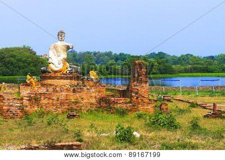 Statue Decisive Buddha