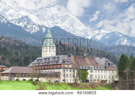 Bavarian Hotel Schloss Elmau Is Official Venue Of G8 Summit