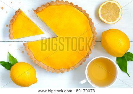Homemade fruit lemon tart pie with green tea