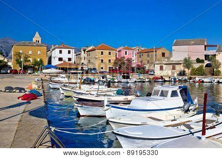Pictoresque Colorful Dalmatian Village Of Vinjerac
