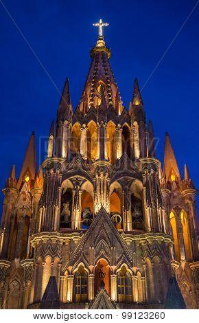 La Parroquia De San Miguel Arcangel