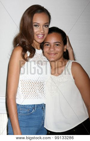LOS ANGELES - AUG 16:  Reign Edwards, Sister at the Bold and Beautiful Fan Event Sunday at the Universal Sheraton Hotel on August 16, 2015 in Universal City, CA