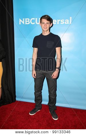 LOS ANGELES - AUG 13:  Robbie Kay at the NBCUniversal 2015 TCA Summer Press Tour at the Beverly Hilton Hotel on August 13, 2015 in Beverly Hills, CA