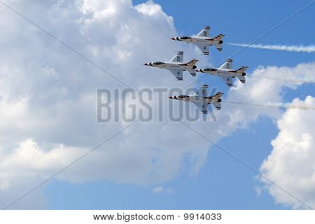USAF Thunderbirds in Diamond Formation