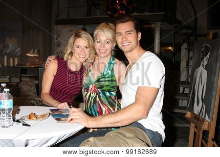 LOS ANGELES - AUG 14:  Linsey Godfrey, Fan, Pierson Fode at the Bold and Beautiful Fan Event Friday at the CBS Television City on August 14, 2015 in Los Angeles, CA