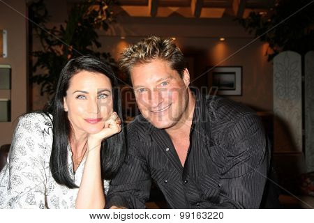 LOS ANGELES - AUG 14:  Rena Sofer, Sean Kanan at the Bold and Beautiful Fan Event Friday at the CBS Television City on August 14, 2015 in Los Angeles, CA