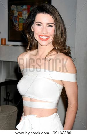 LOS ANGELES - AUG 14:  Jacqueline MacInnes Wood at the Bold and Beautiful Fan Event Friday at the CBS Television City on August 14, 2015 in Los Angeles, CA
