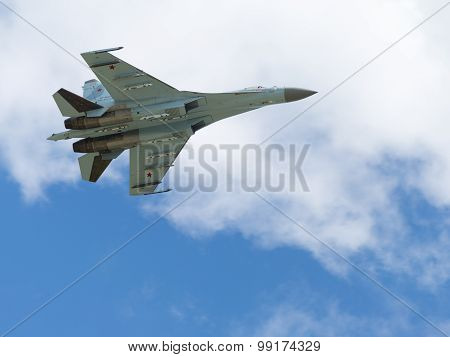 Flight Su-27 At The Airfield Kubinka