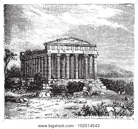 Old engraving of the Temple of Concord, Templum Concordiae, in Agrigente, Rome, Italy. Vintage engraved illustration of the temple dedicated to the goddess Concordia.