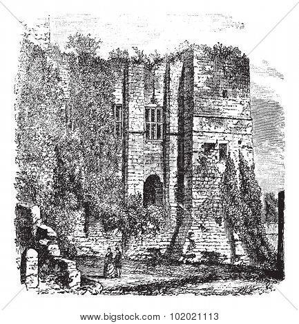 Cesar's tower at Kenilworth Castle, Warwickshire, United Kingdom, vintage engraving. Trousset encyclopedia (1886 - 1891).