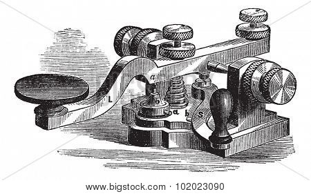 Morse manipulator. - A, platinum-tipped or contact, b contact of the bottom plate; b' second platinum contact; L, lever; S, additional leverage, illustration. Trousset encyclopedia (1886 - 1891).