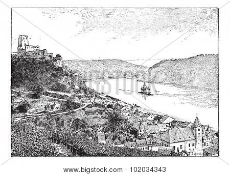 Burg Gutenfels, Rhin river, Germany, vintage engraved illustration. Dictionary of words and things - Larive and Fleury - 1895.