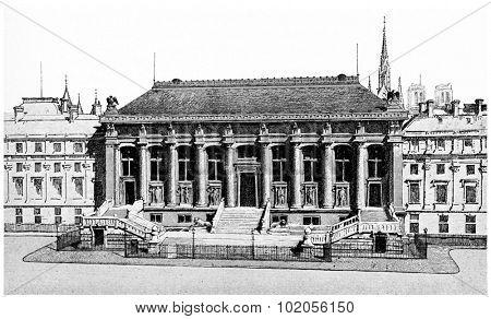 Entrance to the Court of Assizes, vintage engraved illustration. Paris - Auguste VITU  1890.
