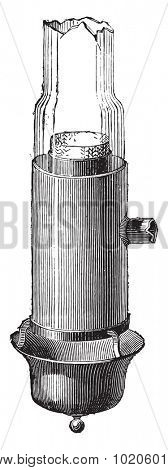 Bec Argand with the layout of the glass, as amended by Quinquet, vintage engraved illustration. Industrial encyclopedia E.-O. Lami - 1875.
